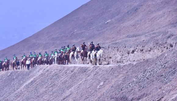 Agentes de la Unidad Histórica de la Policía Montada 'Potao' realizan patrullaje en zonas rurales donde no puede subir un vehículo motorizado. (PNP)