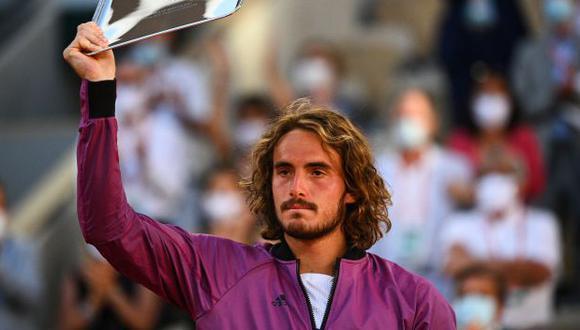 Stefanos Tsitsipas perdió en cinco sets ante Novak Djokovic en la final de Roland Garros. (Foto: AFP)