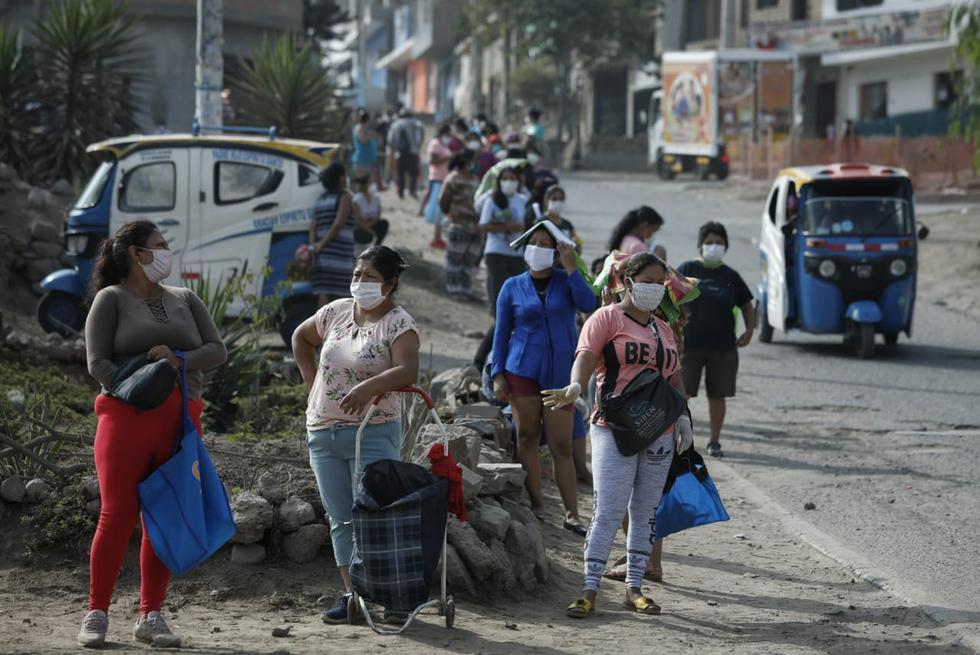Así es la salida de mujeres a los mercados en Lima tras medida de Martín Vizcarra. Foto: Mike Yovera / GEC