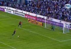 Rolando Blackburn: ex Sporting Cristal ejecutó penal de forma desastroza y The Strongest quedó eliminado de la Libertadores [VIDEO]