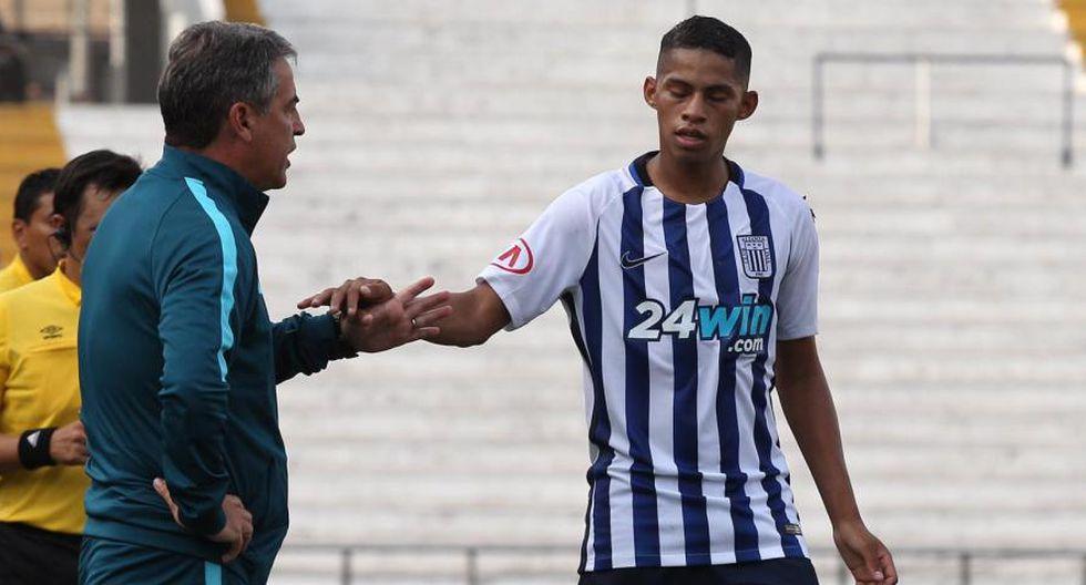 Alianza Lima | Pablo Bengoechea llega mañana para conversar seriamente con Kevin Quevedo
