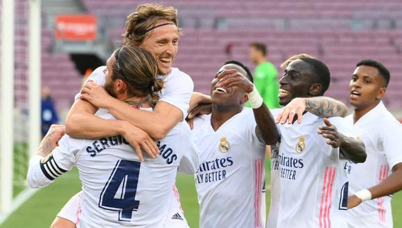 Real Madrid ganó en el Camp Nou con goles de Federico Valverde, Sergio Ramos y Luka Modric.   Foto: AFP