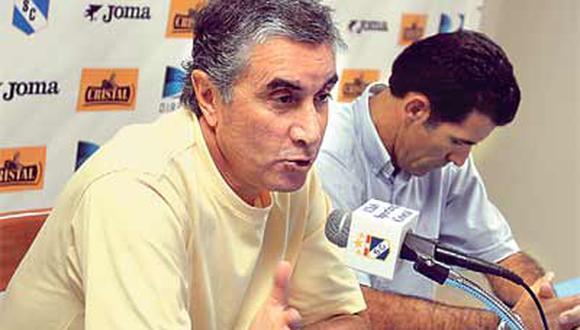Oblitas dice que no es ético que Pizarro sea jugador y a la vez represente a futbolistas