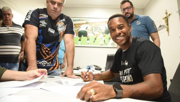 Robinho, con 36 años, vuelve por cuarta vez a Santos.