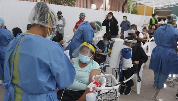 Minsa ha contratado a más personal para jornadas de vacunación contra el COVID-19. (Foto: Eduardo Barreda)