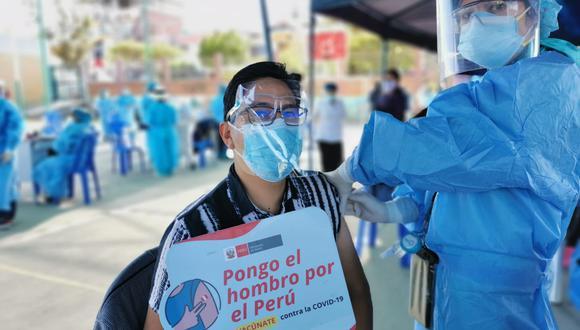 La vacunación será para los mayores de 18 años que viven en cinco provincias de Arequipa. (Foto: Geresa Arequipa)