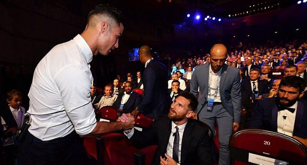 ¿Cristiano Ronaldo huachafo en la ceremonia de la Champions Legue? mira el traje que usó el crack de la Juventus | FOTO