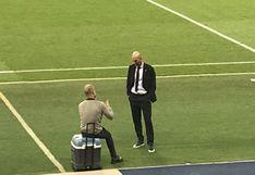 Guardiola y Zidane se quedaron en el campo del Etihad Stadium conversando tras el partido de Champions | FOTO