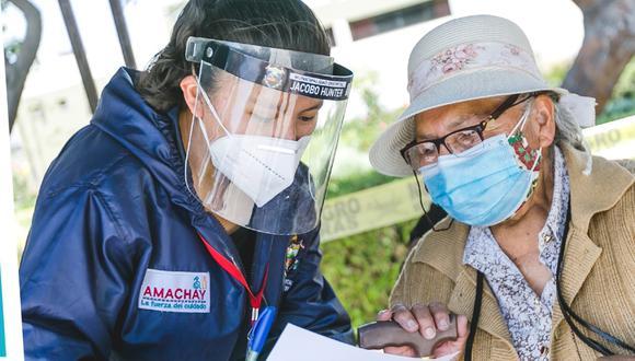 El Bono Familiar Universal sigue otorgándose a las familias afectadas por la pandemia del COVID 19.