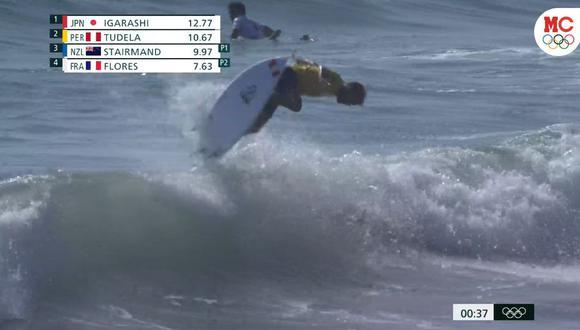 Miguel Tudela consiguió avanzar a la fase 2 de surf en Tokio 2020. (Captura: Marca Claro)