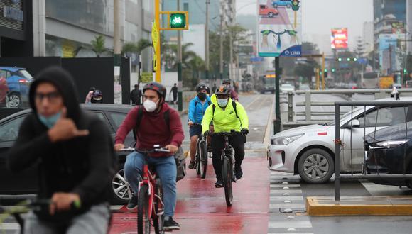 Todo ciclista debe contar siempre con el equipamiento básico de seguridad. Foto: Lino Chipana Obregón / GEC