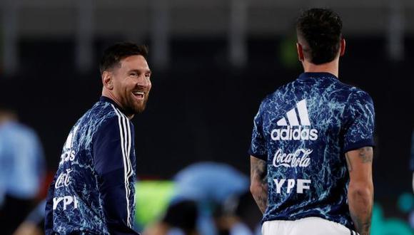 La camiseta que usará Argentina para chocar con la selección peruana. (Foto: EFE)