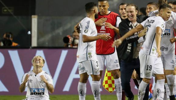 Gracias a los goles de Diego Pituca, Jefferson Soteldo y Braga, el 'Peixe' jugará una nueva final de Copa Libertadores. Su última vez fue en el 2011 y fueron campeones de la mano de Neymar | Foto: AFP