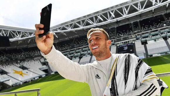 Arthur Melo fue presentado este miércoles por la Juventus. (Foto: @juventusfces)