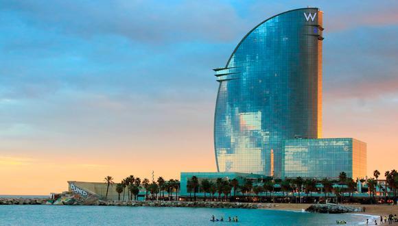 Español pasa el confinamiento como único huésped de un lujoso hotel de 26 pisos