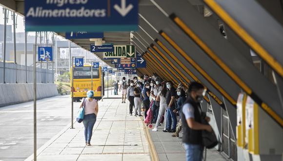 Servicio de rutas de alimentadores del Metropolitano se reanudará gradualmente tras suspensión de servicios.  Foto: GEC