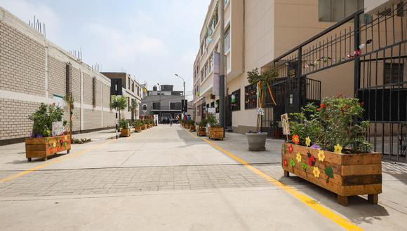 Pasaje era usado como estacionamiento de vehículos. Foto: Municipalidad de Lima