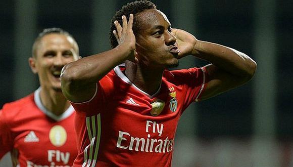 André Carrillo tuvo minutos en victoria de Benfica ante Real Betis