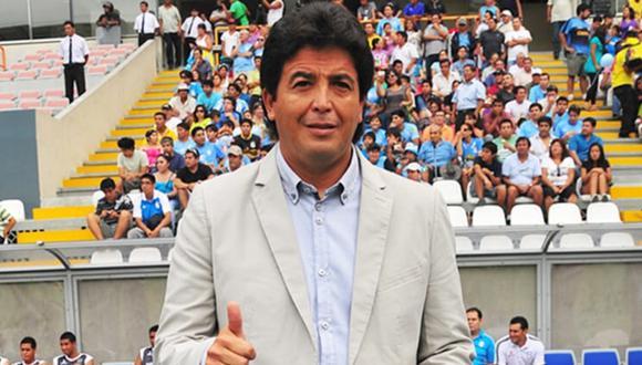Luis Advíncula: Víctor Rivera revive anécdota del 'Rayo' cuando estaba en Cristal. FOTO: américatv.com.pe