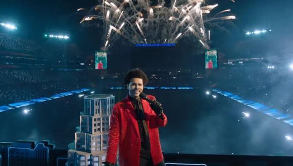 The Weeknd se presentó en el medio tiempo del Super Bowl sin ningún invitado. (Foto: Captura YouTube).
