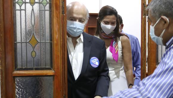 Candidato presidencial Hernando de Soto confirmó que se vacunó contra el COVID-19. (Foto: Lino Chipana Obregón / GEC)