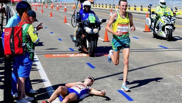 Maratonista cayó, nadie lo ayuda pero sacan sus celulares y toman fotos