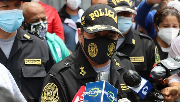 Comandante General de la Policía César Cervantes llegó a inspeccionar el túnel ubicado en San Juan de Lurigancho cerca al penal Miguel Castro Castro. (Foto: Eduardo Cavero/ @photo.gec)