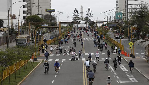 Av. Brasil se convierte nuevamente en corredor recreativo los domingos. (Francisco Neyra/GEC)