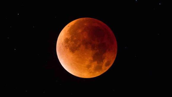 Por primera vez en 6 años, habrá un eclipse lunar total y una superluna. Conoce aquí a qué hora de podrá ver.