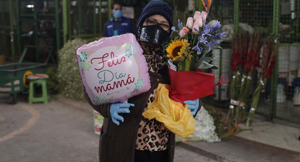 Feliz día Mamá: Mercado de Flores de Acho vendió arreglos por el Día de la Madre [FOTOS]   Regalos por el día de mamá Trends   El Bocón