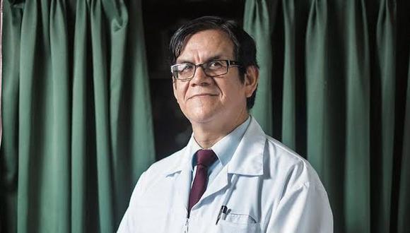 Ciro Maguiña también fue vacunado con las dosis de cortesía de Sinopharm. (Foto: CMP)