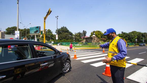 Inspectores de tránsito de la Municipalidad de Lima orientarán a los conductores sobre las rutas alternas, a fin de facilitar la circulación vehicular. (Foto: MML)