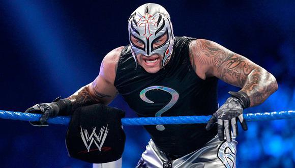 Rey Misterio vuelve oficialmente a la WWE