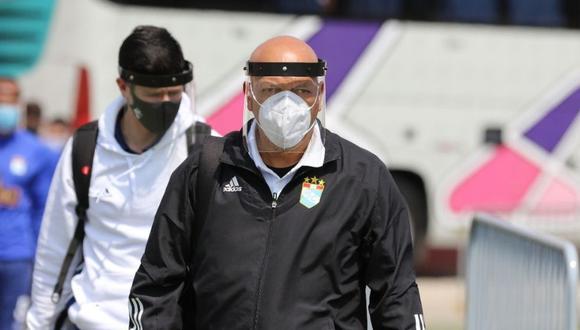 Roberto Mosquera puso esta excusa tras derrota de Sporting Cristal