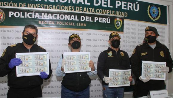 El dinero falsificado fue hallado por agentes del Grupo Terna en una casa situada en el cruce de los jirones Marañón y Lambayeque. (Foto: Policía Nacional/Twitter)