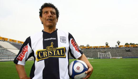 César Cueto, ídolo de Alianza Lima, tendrá un emotivo homenaje en compañía del Pibe Valderrama, Iván Zamorano, Willington Ortiz, entre otros.
