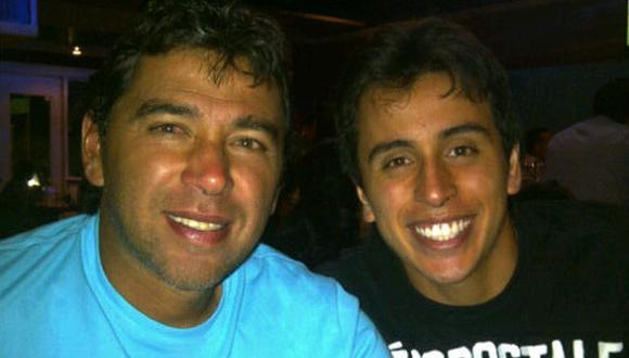 Juan Carlos Bazalar junto a su hijo Alonso. El campeón con Cienciano podrá regresar con su familia luego de haber superado el coronavirus. (Foto: Twitter Alonso Bazalar)