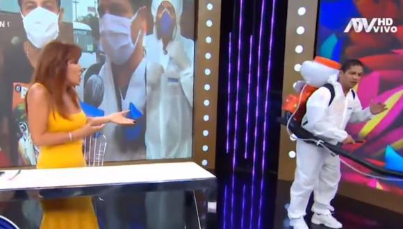 La presentadora Magaly Medina recibió la visita de Jonathan Maicelo, quien anunció cómo viene trabajando durante la cuarentena por coronavirus. (Captura de pantalla / ATV).