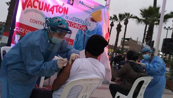 Alrededor del 80% de personas que se vacunaron en Chincha eran limeños y ello perjudicó a los ciudadanos locales. (Foto: Hospital San José de Chincha)