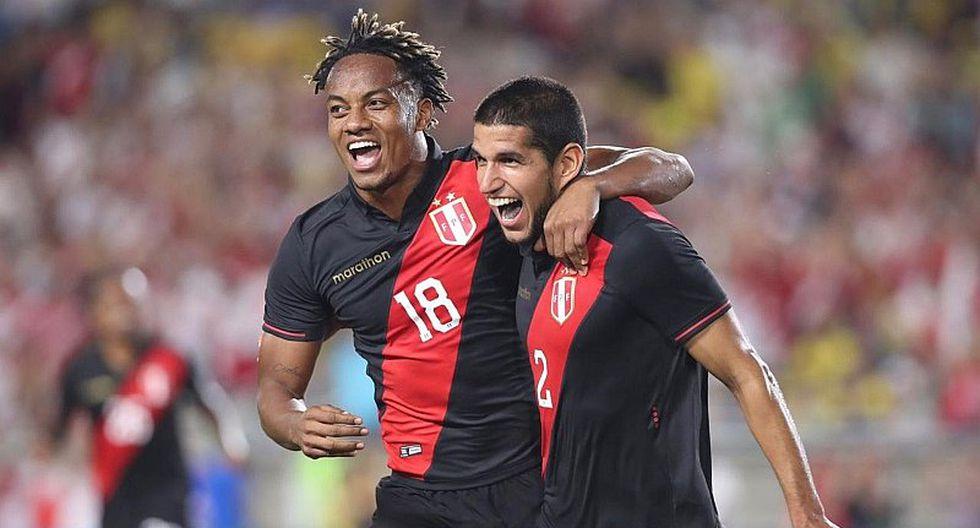 Selección peruana: el emotivo festejo hasta las lagrimas de un hincha en la tribuna con el gol de Luis Abram | VIDEO