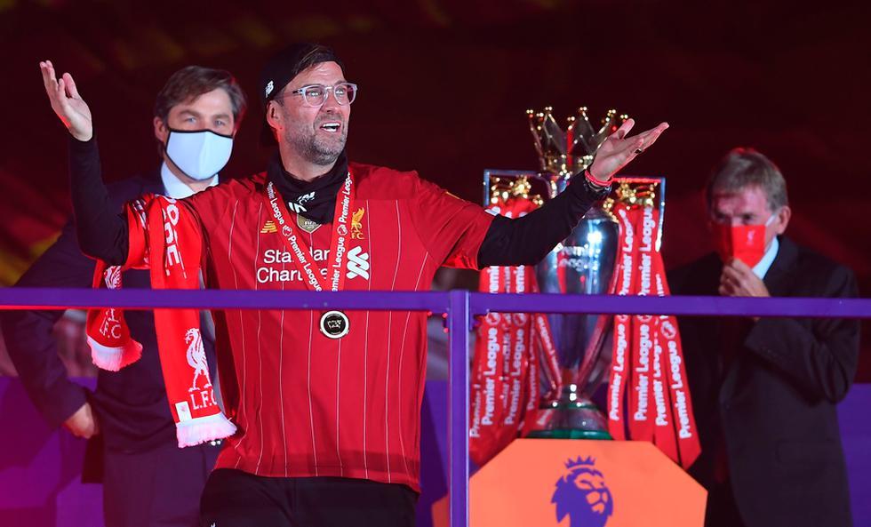Liverpool celebró con el trofeo de la Premier League | Foto: AP/EFE/AFP