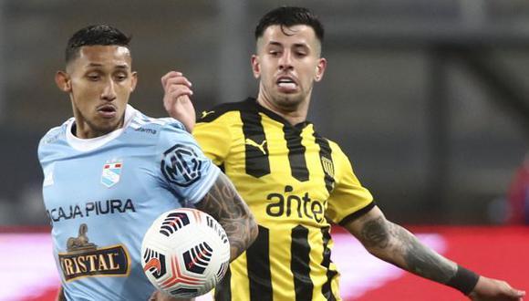 Sporting Cristal y Peñarol se verán las caras por el pase a semifinales de la Copa Sudamericana. (Foto: AFP)