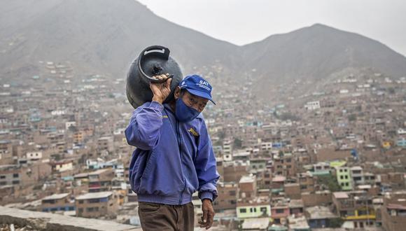 En caso de existir algún hogar que no requiera el bono y desee devolverlo, se han establecido procedimientos rápidos y oportunos (Foto: Geraldo Caso Bizama / AFP)