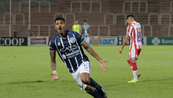 Wilder Cartagena marcó su primer gol en Argentina con Godoy Cruz.