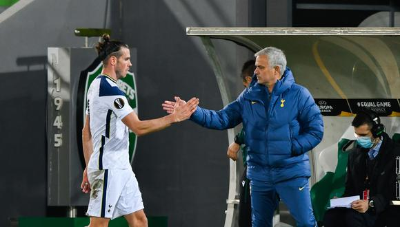 José Mourinho vive una situación complicada con Gareth Bale, aseguró ex del Tottenham.  (Foto: AFP)
