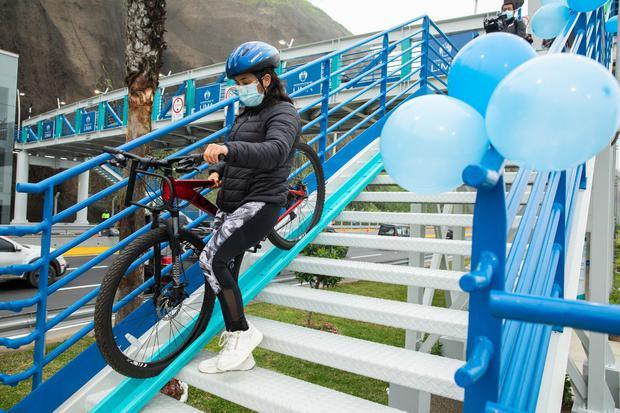 Alcalde Jorge Muñoz, entregó un nuevo puente peatonal inclusivo en el distrito de Miraflores, cerca de la playa Redondo II. (Foto: Municipalidad de Lima)