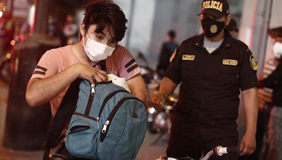Más de 100 personas han sido detenidas por delitos fragantes, informó la Policía Nacional del Perú. (Foto: referencial/César Campos/ GEC)
