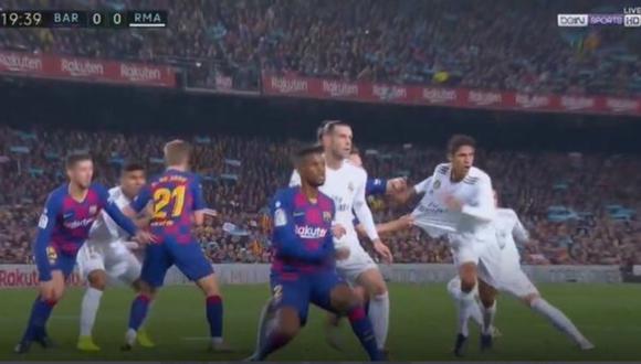 Barcelona vs. Real Madrid | La polémica del primer tiempo fue un doble penal a Varane | VIDEO