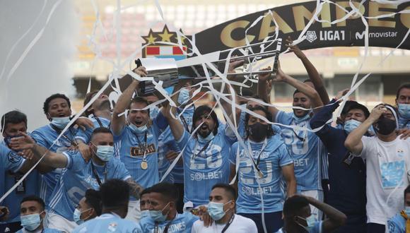 De la mano de Mosquera, Sporting Cristal fue el mejor equipo del 2020. El cuadro celeste se pudo recuperar de un mal arranque de año y terminó alzando un nuevo título nacional. (Foto: Liga 1)