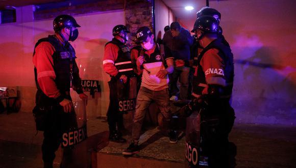 Los intervenidos fueron llevados a la comisaría. (Fotos: joel alonzo/@photo.gec)